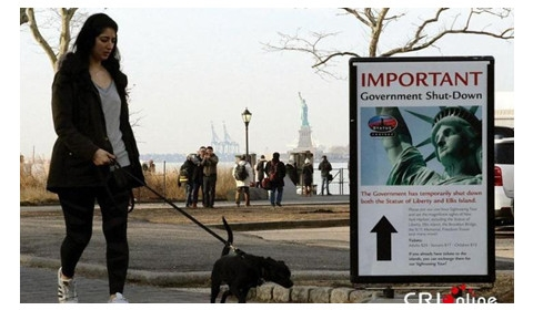 美国政府停摆 自由女神像被迫关闭
